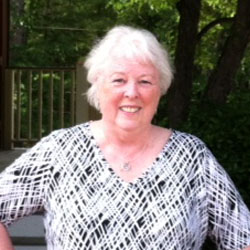 Eileen Belanger headshot