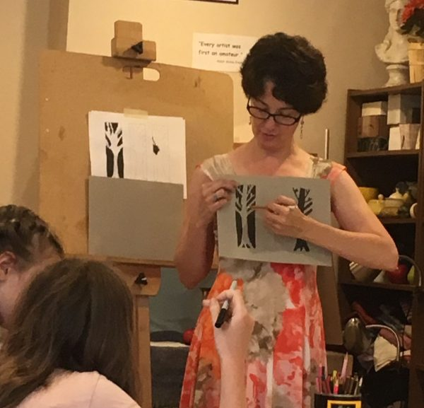 Tami Sciola teaches summer art camp